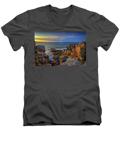 Men's V-Neck T-Shirt featuring the photograph Steaming Past The Giant's Stairs by Rick Berk