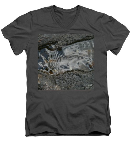 Still Stream Skeleton Screams Men's V-Neck T-Shirt