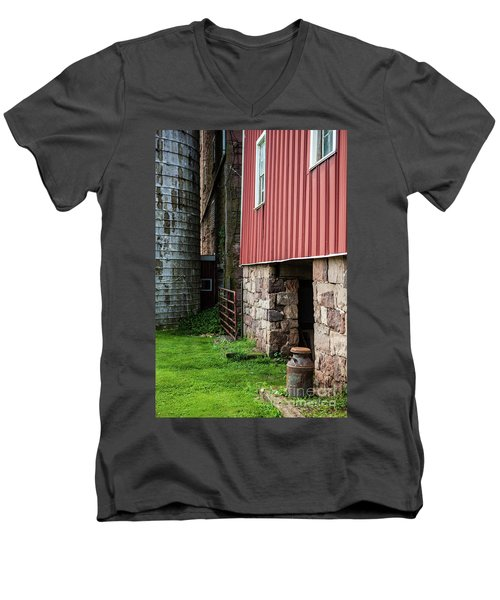 Stone Barn With Milk Can Men's V-Neck T-Shirt