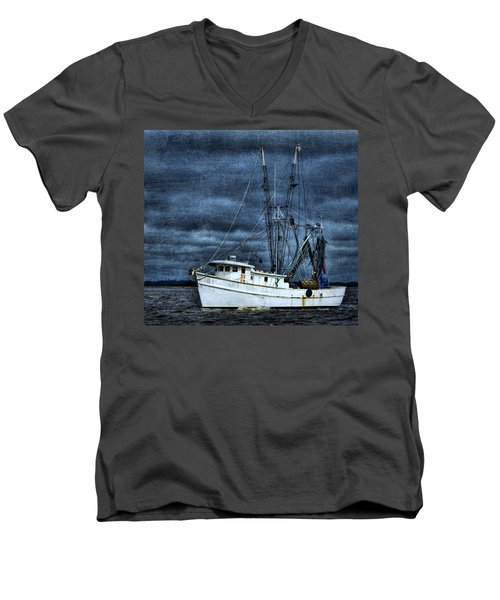 Storm Is Coming Men's V-Neck T-Shirt