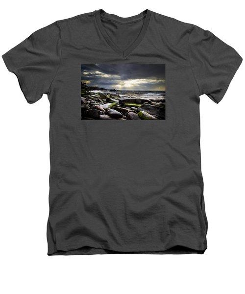 Storm's End Men's V-Neck T-Shirt