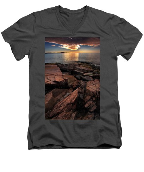 Stratus Eclipse Men's V-Neck T-Shirt