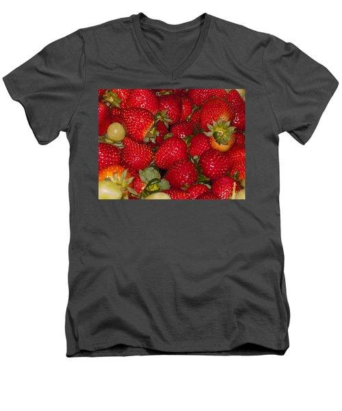 Strawberries 731 Men's V-Neck T-Shirt