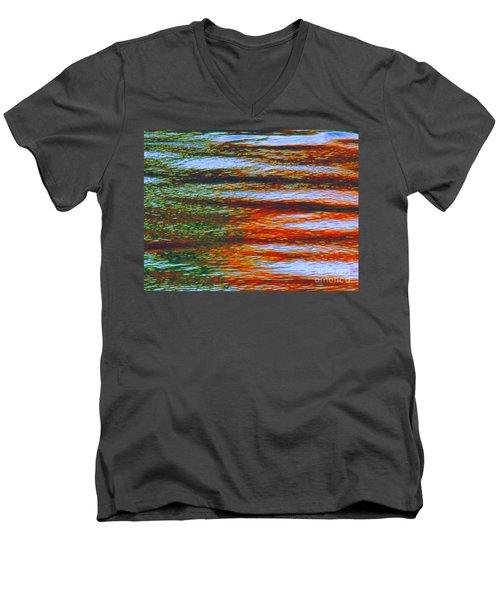 Streaming Rays Of Love Men's V-Neck T-Shirt
