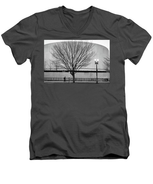 Street Shot At The Hirshorn  Men's V-Neck T-Shirt