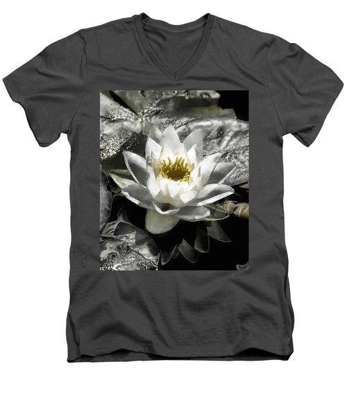 Strokes Of The Lily Men's V-Neck T-Shirt
