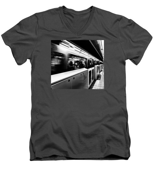 Men's V-Neck T-Shirt featuring the photograph Subway by Hayato Matsumoto