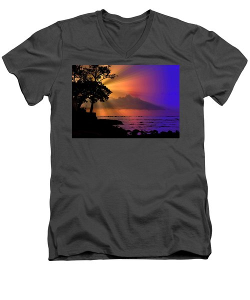Men's V-Neck T-Shirt featuring the photograph Sun Rays Sunset by Lori Seaman