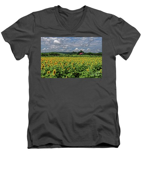 Sunflowers With Barn Men's V-Neck T-Shirt
