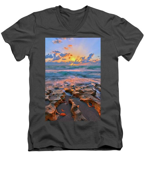 Sunrise Over Carlin Park In Jupiter Florida Men's V-Neck T-Shirt