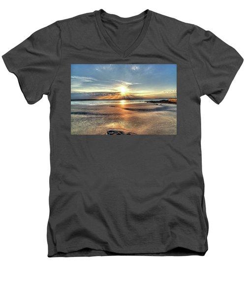 Sunrise Over Red Rock Park Lynn Ma Kings Beach Men's V-Neck T-Shirt