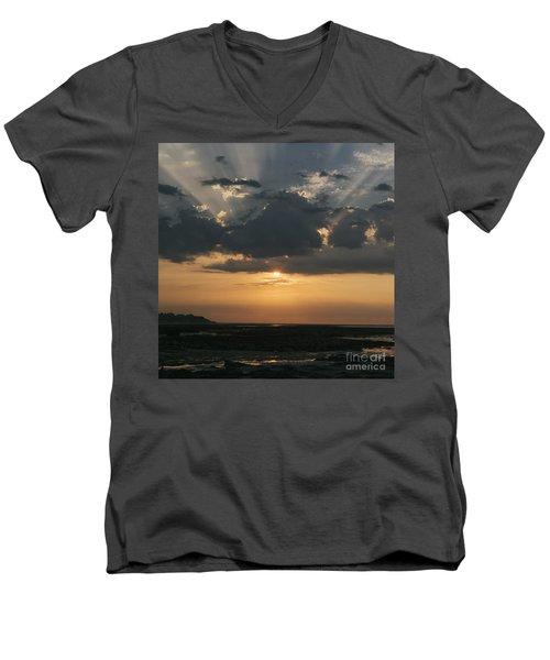 Sunrise Over The Isle Of Wight Men's V-Neck T-Shirt