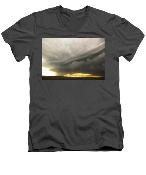 Men's V-Neck T-Shirt featuring the photograph Sunset At Dalhart Texas by Ryan Crouse