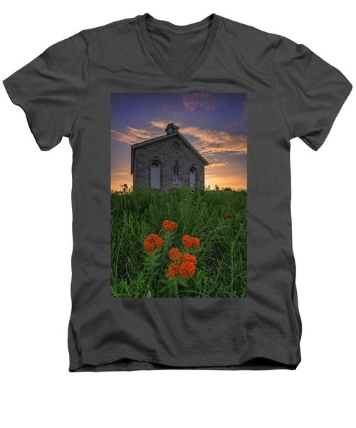 Sunset At Lower Fox Creek Schoolhouse Men's V-Neck T-Shirt