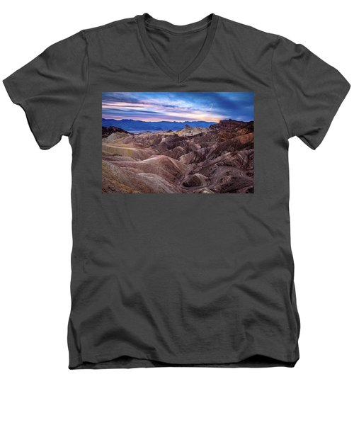 Sunset At Zabriskie Point In Death Valley National Park Men's V-Neck T-Shirt