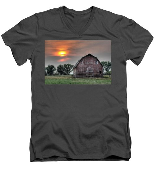 Sunset Barn Men's V-Neck T-Shirt