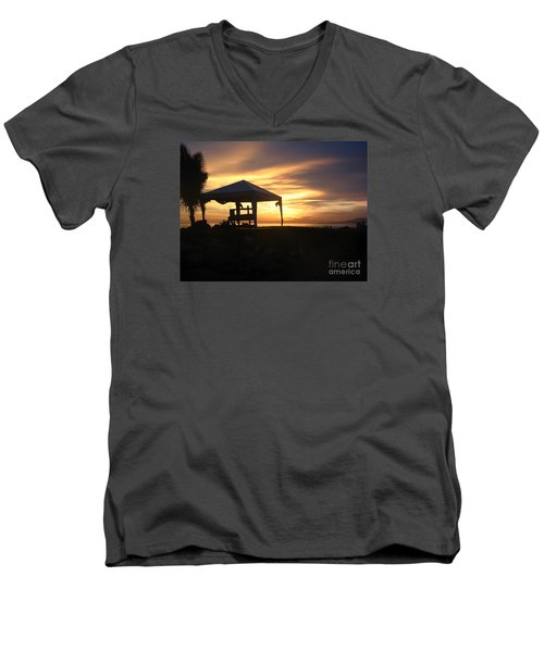 Sunset Massage Men's V-Neck T-Shirt