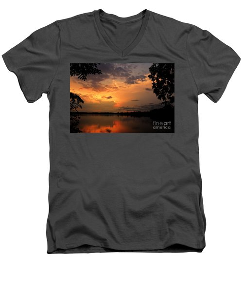 Men's V-Neck T-Shirt featuring the photograph Sunset On Thomas Lake by Larry Ricker