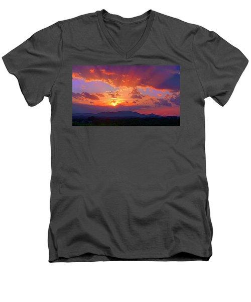 Sunset Rays At Smith Mountain Lake Men's V-Neck T-Shirt