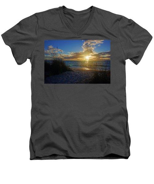 Sunset Windsurfer Men's V-Neck T-Shirt