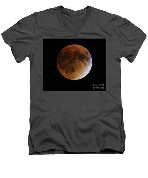 Super Blood Moon Lunar Eclipses Men's V-Neck T-Shirt