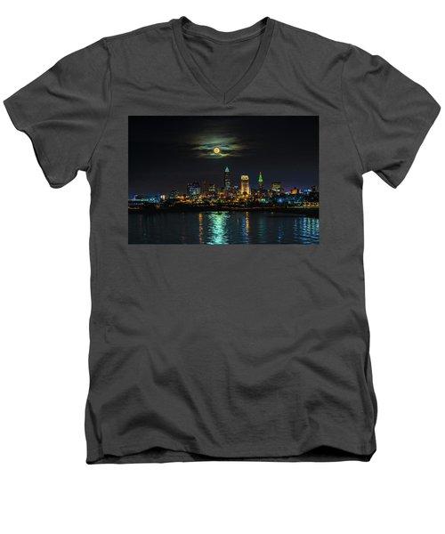 Super Full Moon Over Cleveland Men's V-Neck T-Shirt