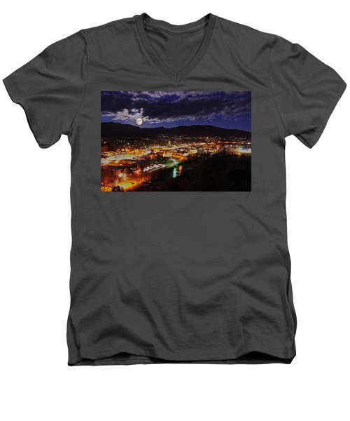 Super-moon Over Steamboat Men's V-Neck T-Shirt