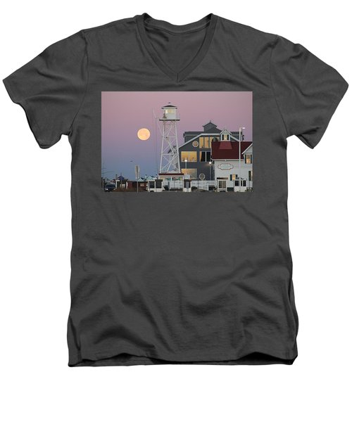 Super Wolf Moon At The Watch Tower Men's V-Neck T-Shirt