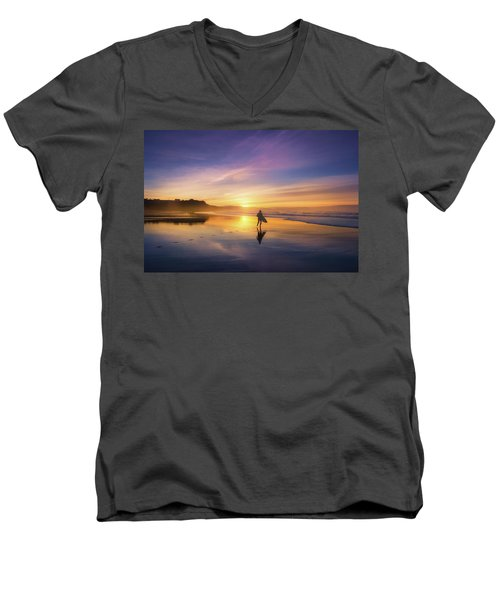 Surfer In Beach At Sunset Men's V-Neck T-Shirt