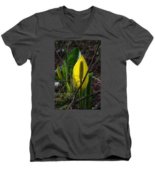 Swamp Lantern Men's V-Neck T-Shirt
