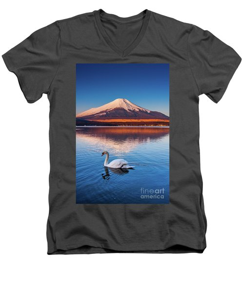 Swany Men's V-Neck T-Shirt