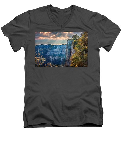 Swiss Grand Canyon Men's V-Neck T-Shirt