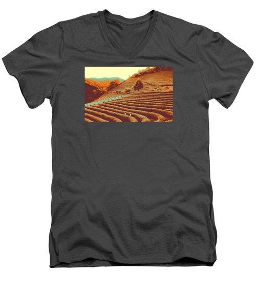 Tea Field Men's V-Neck T-Shirt