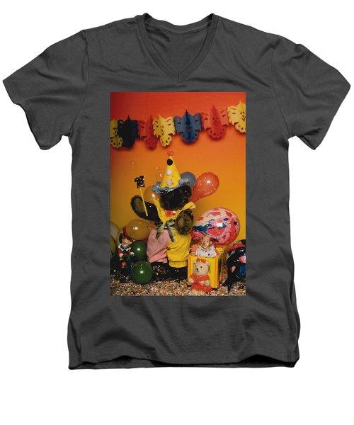 Teddy Bear Celebrates, Birthday Teddy Bear Men's V-Neck T-Shirt