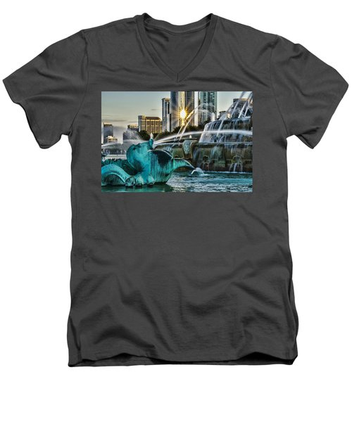 telephoto look at Chicago's Buckingham Fountain  Men's V-Neck T-Shirt