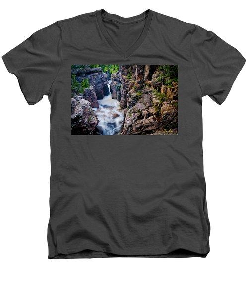 Temperance River Gorge Men's V-Neck T-Shirt