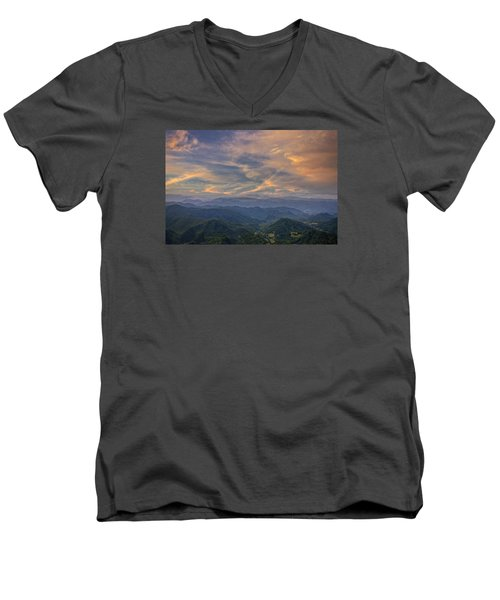 Tennessee Mountains Sunset Men's V-Neck T-Shirt