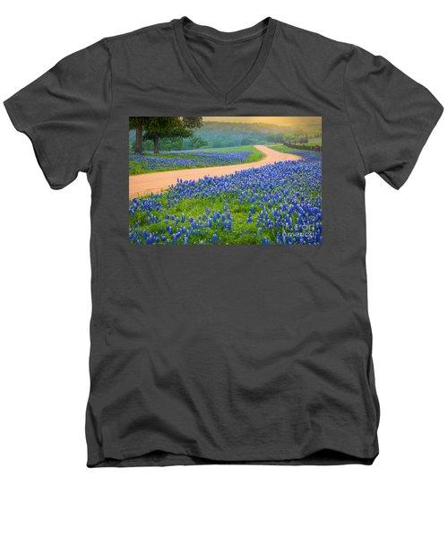 Texas Country Road Men's V-Neck T-Shirt