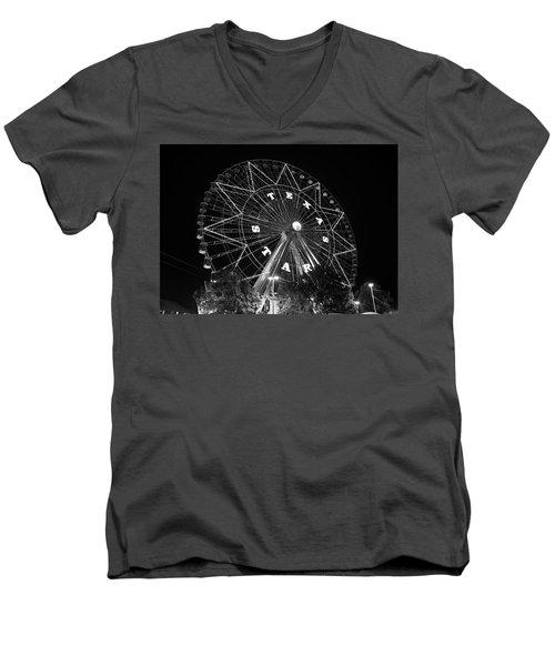 Texas Star 061116 V2bw Men's V-Neck T-Shirt