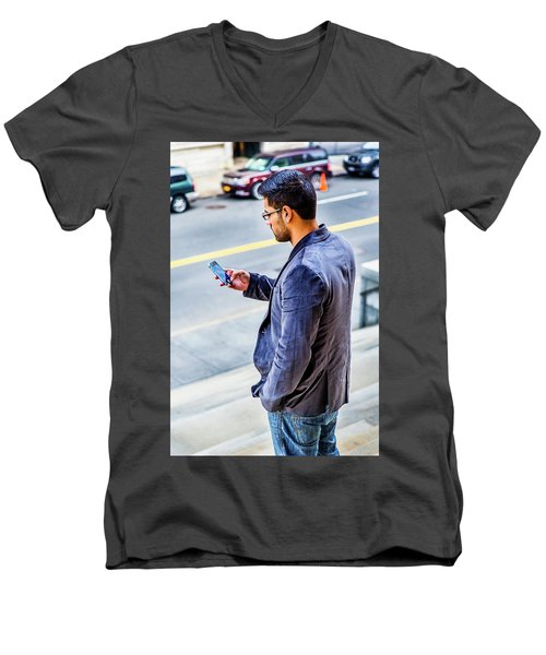 Man Texting Men's V-Neck T-Shirt
