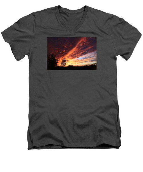 Men's V-Neck T-Shirt featuring the photograph Thanksgiving Sunset by Gary Kaylor