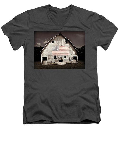 The American Farm Men's V-Neck T-Shirt