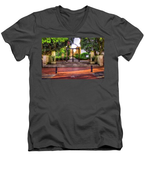 The Arch 4 University Of Georgia Arch Art Men's V-Neck T-Shirt
