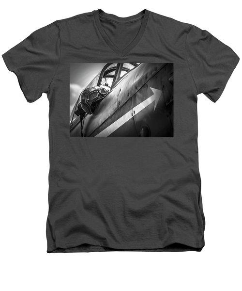 The Aviator - Bw Series Men's V-Neck T-Shirt