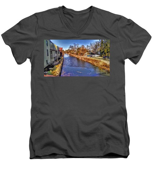 The Canal At New Hope In Winter Men's V-Neck T-Shirt