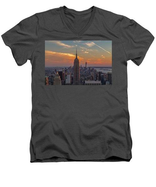 The City That Never Sleeps  Men's V-Neck T-Shirt