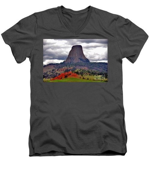 The Devils Tower Wy Men's V-Neck T-Shirt