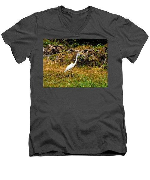 Egret Against Driftwood Men's V-Neck T-Shirt