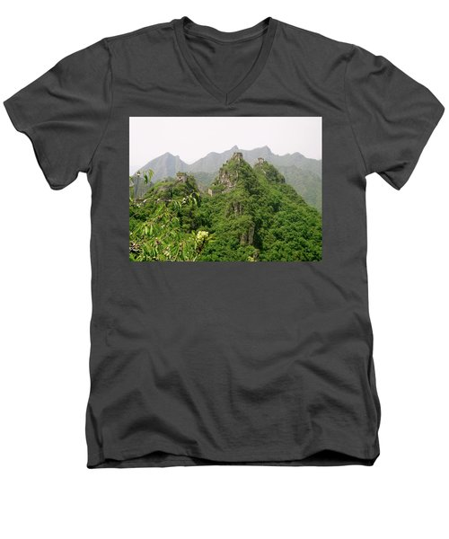 The Great Wall Of China Winding Over Mountains Men's V-Neck T-Shirt