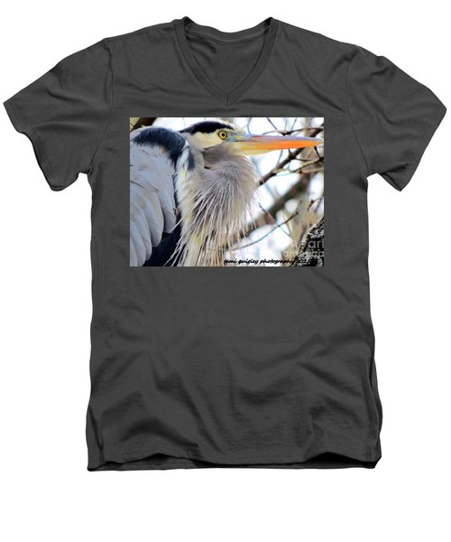 The Heron In Winter  Men's V-Neck T-Shirt